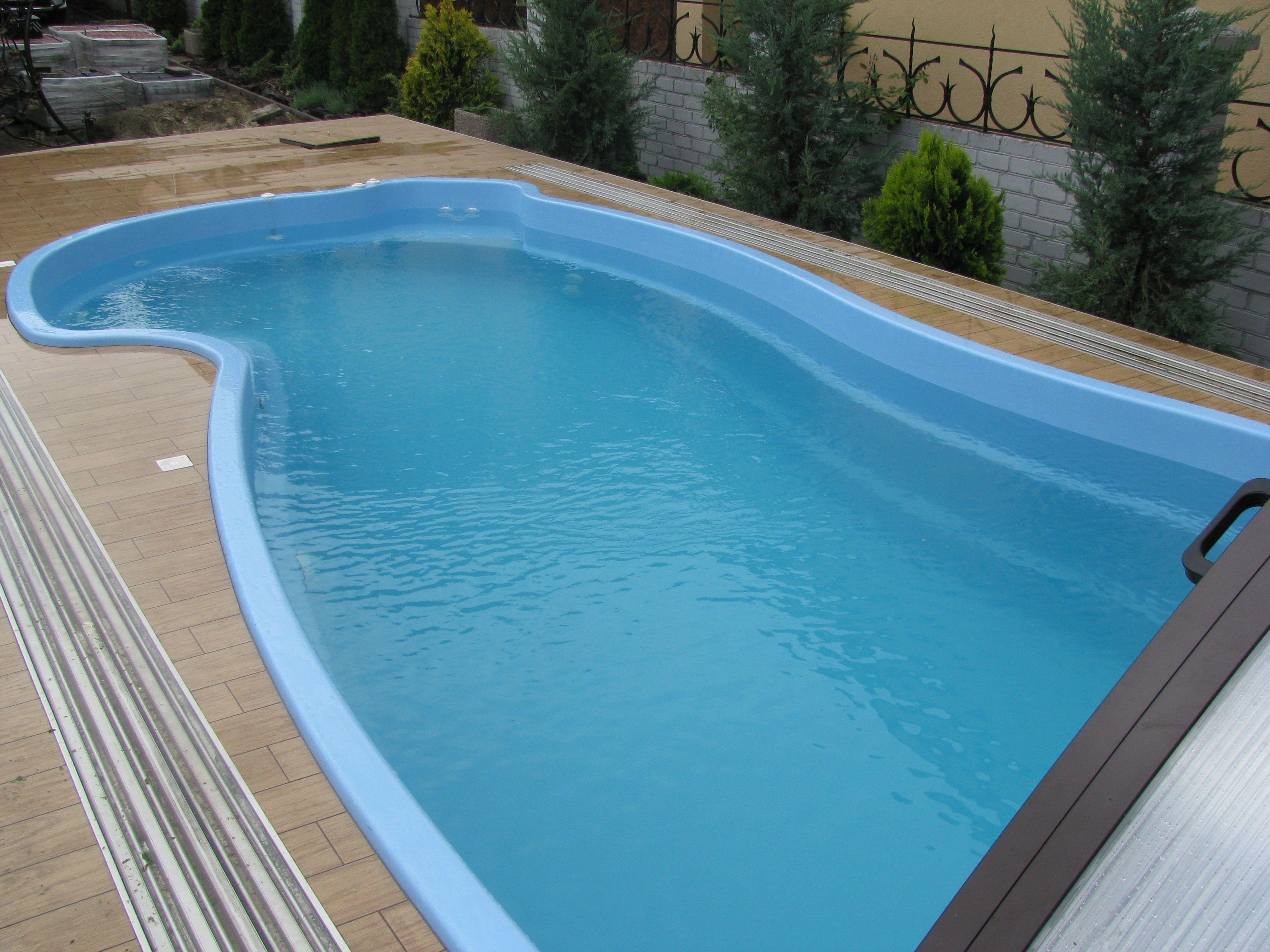 Пластиковый бассейн. Как выбрать бассейн для дачи?